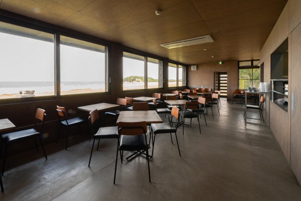 Cafe&Store                                 Inujima Ticket Center Cafe