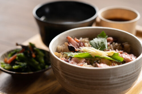 <em>Tako-meshi (Mixed rice with octopus)</em> JPY1,100(tax included)