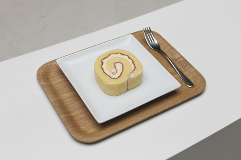 Lemon roll cake JPY 520(tax included)